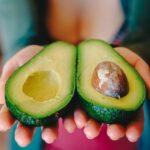 アボカド等の高脂肪自然食品で炎症や動脈機能低下が抑えられる|栄養学サイトのNutritionFacts.orgを見よう
